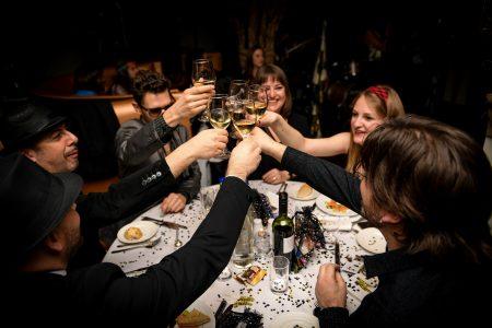 Toasting wines